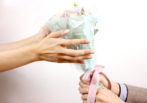 誕生花を贈る
